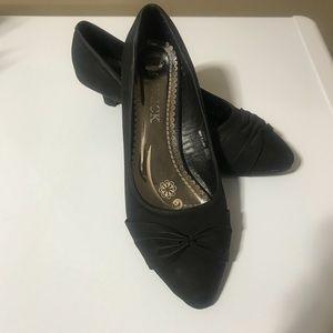 kitten heel dressy shoe I believe they are size 10